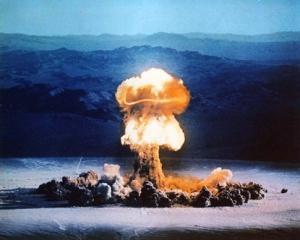 atomic_bomb_explosion_2